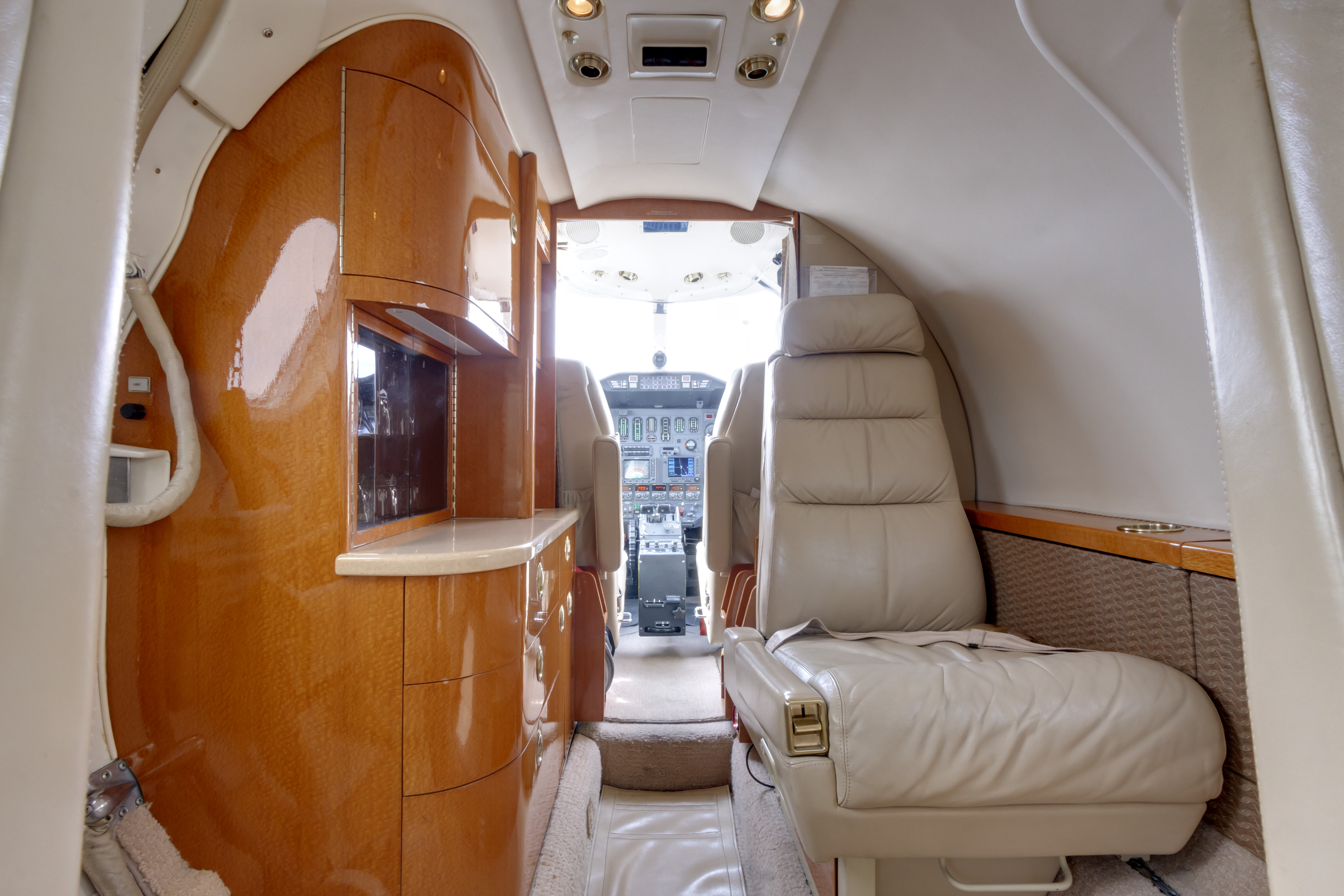 fargo-jet-center-charter-citation-sII-interior