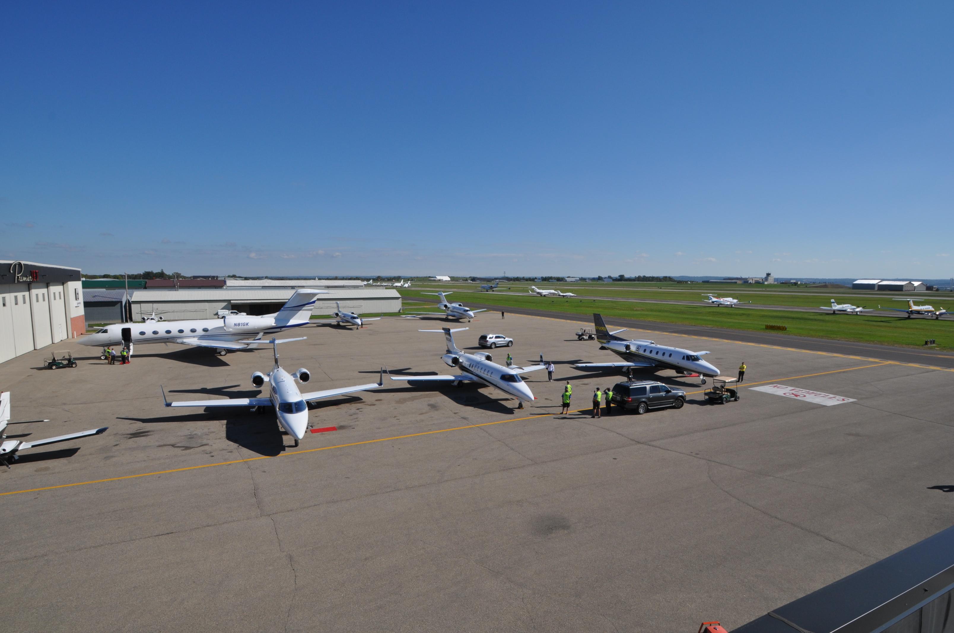 premier-jet-center-full-ramp