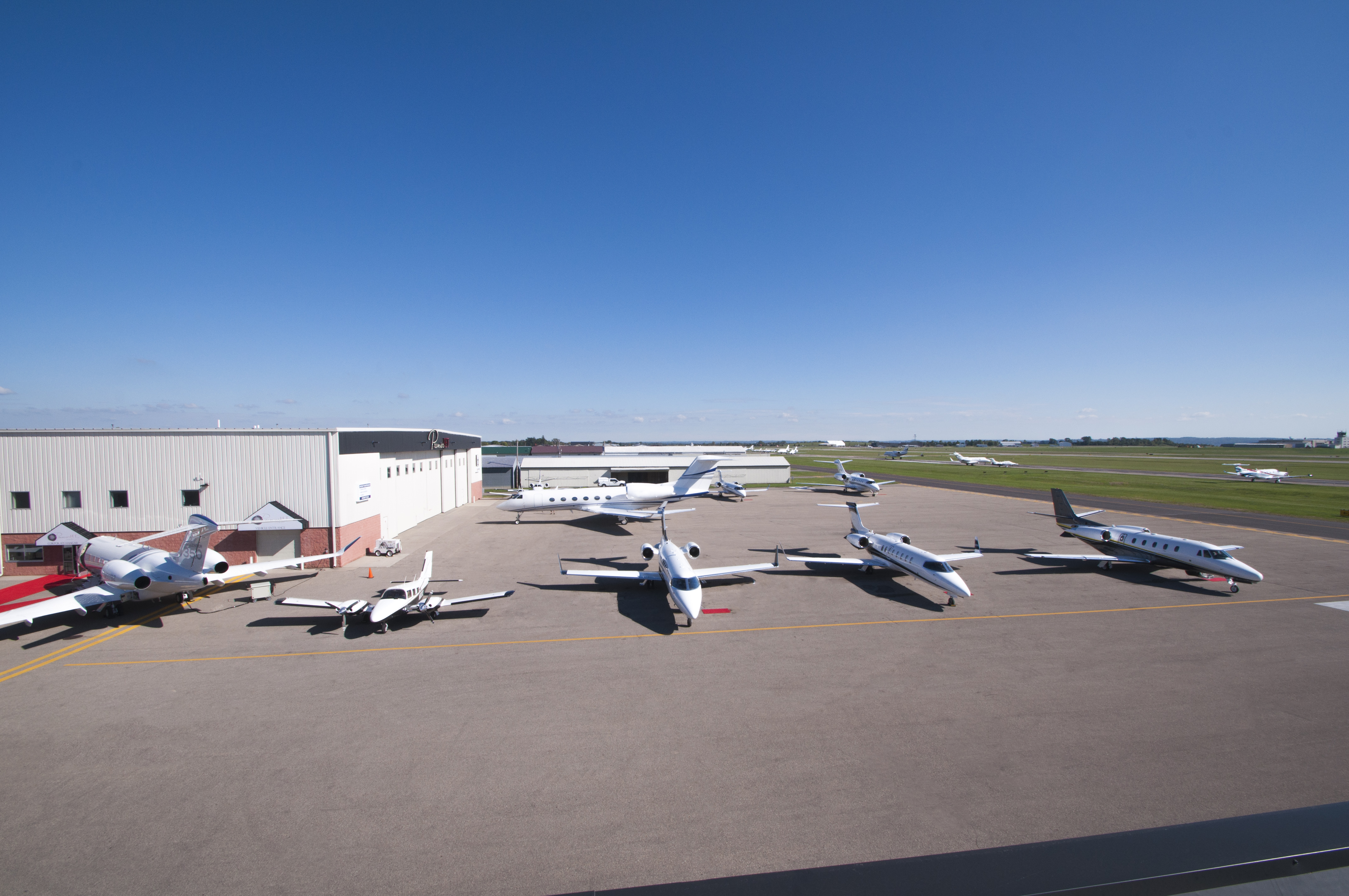 premier-jet-center-kfcm-full-ramp-2