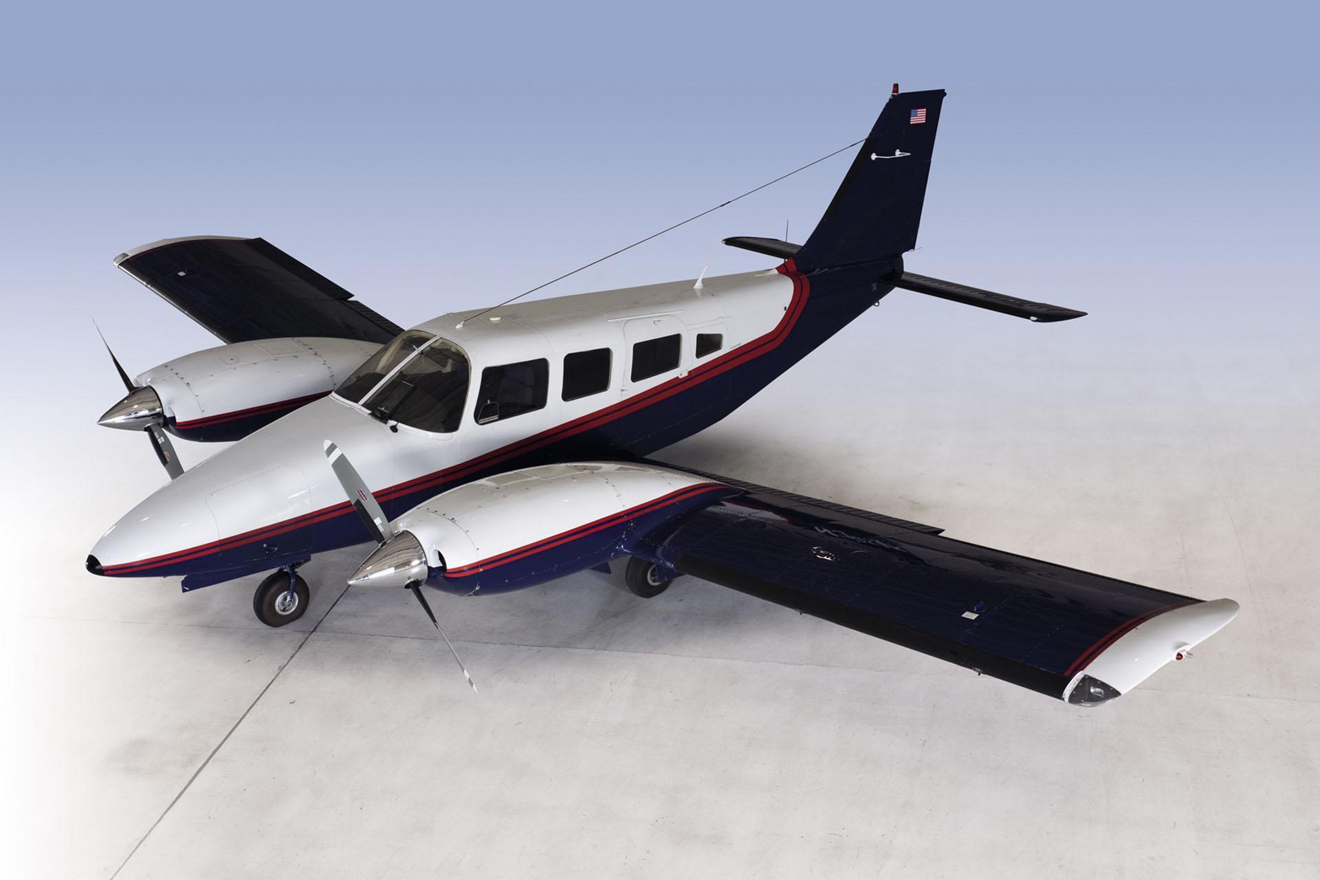 piper seneca II fargo jet center flight school