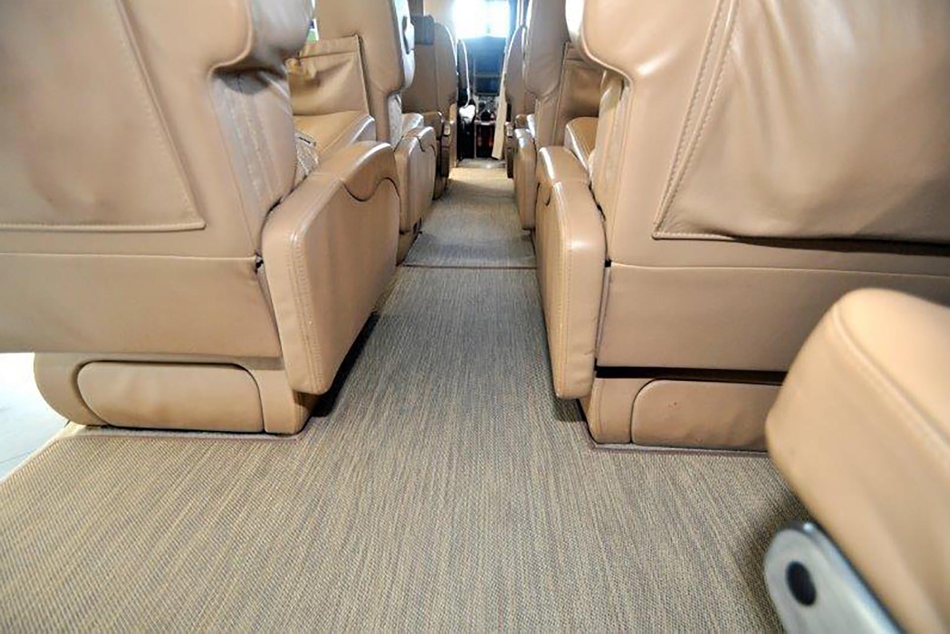pc-12 vinyl floor runner premier jet center